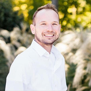 dustin march realtor